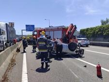 Dois feridos em colisão entre camião e carro na A44 em Gaia