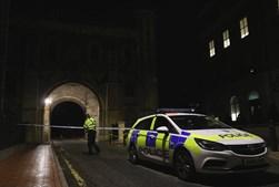 Ataque à facada que matou três pessoas em Reading considerado ato terrorista