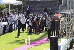 Dezenas na última homenagem ao ator Pedro Lima em Cascais