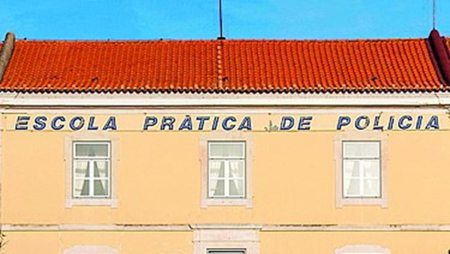 Denúncia sobre Escola da PSP