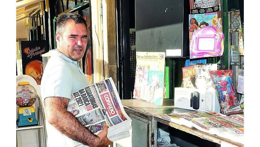 Jorge Dias e a mulher Susana gerem um quiosque na cidade de Portimão