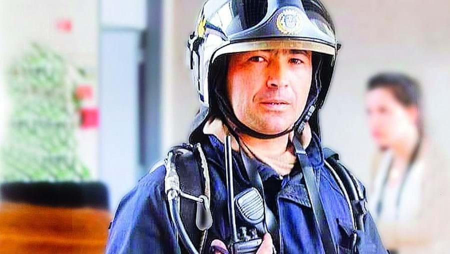 Márcio Teixeira é subchefe dos Bombeiros Sapadores de Faro