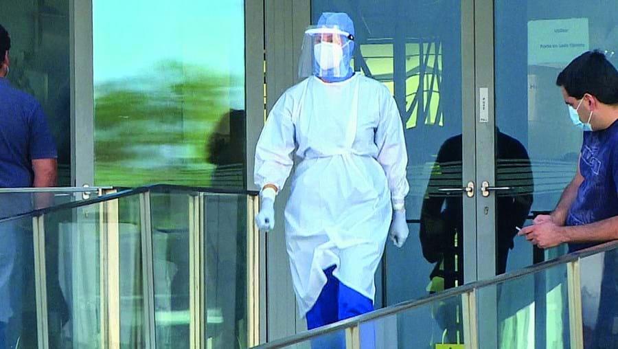 Dezenas de funcionários da Câmara de Lagos foram ontem sujeitos a testes de despistagem da Covid-19