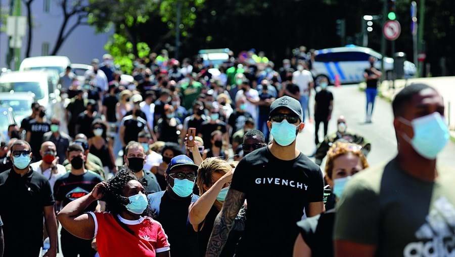 Manifestação dos trabalhadores de diversão noturna juntou cerca de 130 pessoas. Exigem respostas do Governo