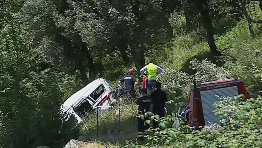 Despiste de ambulância mata bombeiro e doente na A4 em Amarante