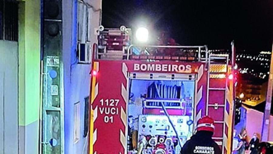 Bombeiros extinguiram as chamas