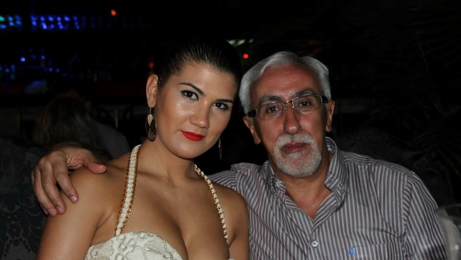 Carlos Inácio Pinto fotografado com a ex-mulher, Elisa, 30 anos mais nova, que tentou matar com um maço de calceteiro num quarto de hotel em Vigo