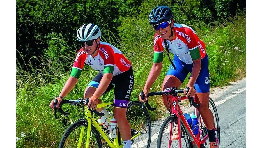 Maria Martins e Raquel Queirós estão a atravessar o País de bicicleta