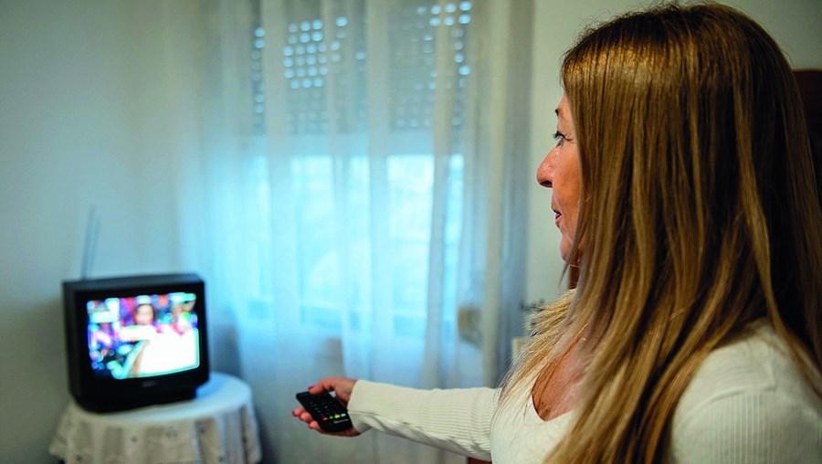 Utilizadores da TDT só têm de ressintonizar a televisão ou o descodificador quando o ecrã da televisão ficar a negro