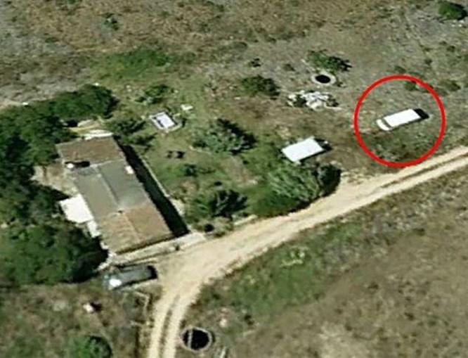 Imagem mostra o que parece ser a carrinha do suspeito, Christian Brueckner, na Praia da Luz em 2007