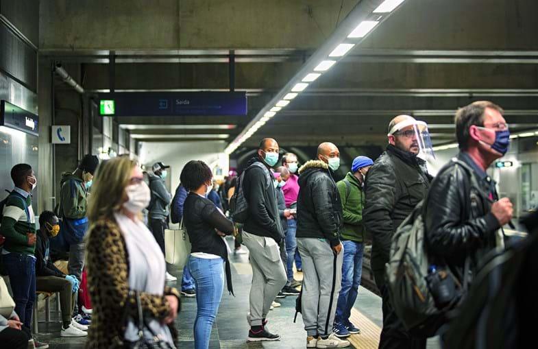 Metro vai duplicar a oferta, durante o período diurno, a partir deste fim de semana, fazendo circular comboios de seis carruagens nas linhas Azul, Verde e Vermelha