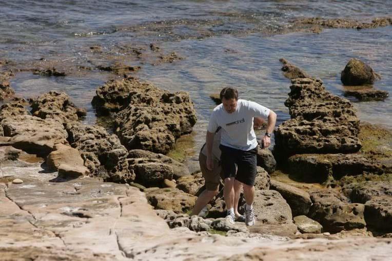 Gerry McCann andou pelas rochas na Praia da Luz