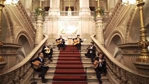 Concerto com 100 guitarristas em homenagem aos 100 anos de Amália