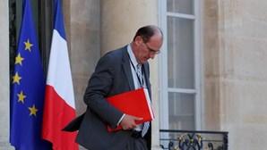Primeiro-ministro francês visado em processo judicial pela gestão da pandemia