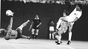 Morreu Seninho, colega de Pelé, Cruyff e Beckenbauer