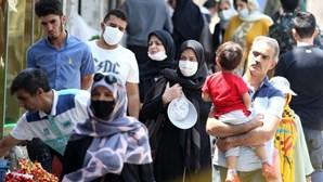 Irão vai estender medidas restritivas ao país para combater nova vaga de Covid-19