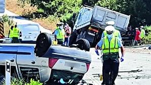 Mulher morre em choque contra camião na Guarda