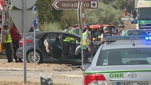 Colisão entre três carros faz cinco feridos em Ourique