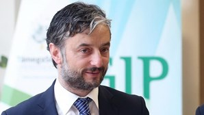 PGR investiga alegado incumprimento de isolamento de autarca de Paços de Ferreira que testou positivo para Covid-19