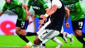 Cristiano Ronaldo salva Juventus com penáltis