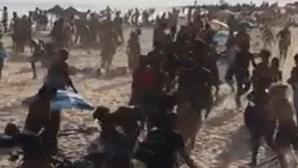 Jovens esfaqueados em rixa que envolveu dezenas de pessoas em praia do Estoril
