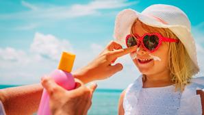 As crianças, o sol e a praia: as dicas do pediatra