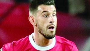 Pizzi regressa aos convocados do Benfica, Cervi e Pedrinho saem