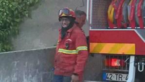 Banheira salva mulher queimada pelo companheiro no Seixal