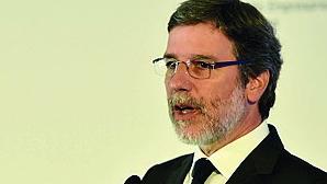 Ex-presidente da Câmara de Castelo Branco alega desconhecer lei em negócios de família