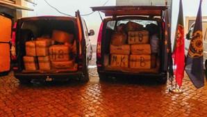 Camião com destino a Espanha escondia 2835kg de haxixe