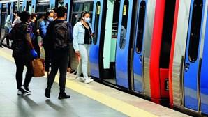 Circulação na Linha Azul do Metro de Lisboa interrompida devido a doença súbita de passageiro