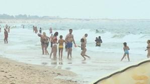 Praias de Santo António e Monte Gordo abertas a banhos