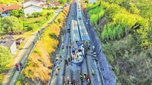 """""""Parecia um ataque terrorista"""": comboio alfa colide com máquina e mata trabalhadores"""