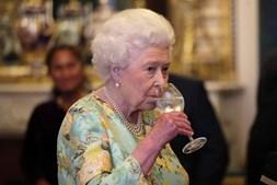 Isabel II é fã assumida de gin