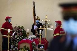 Centenas de pessoas no funeral do bombeiro de Miranda do Corvo