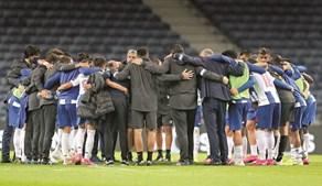 Roda no final dos jogos é a expressão da união entre jogadores e equipa técnica