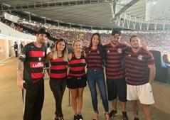 A advogada acompanhou a família do técnico do Flamengo em vários momentos importantes do clube. Na foto posa ao lado da mulher do treinador