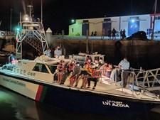 Grupo de 21 migrantes ilegais desembarcou na ilha do Farol, em Faro, no dia 21 deste mês. Terão vindo de Marrocos
