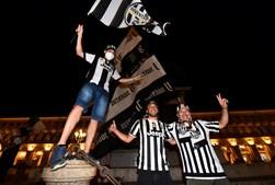 Adeptos da Juventus comemoram 36.º título da 'vecchia signora'