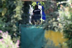 Polícia alemã faz escavações em Hannover perto de onde vivia suspeito de raptar Maddie