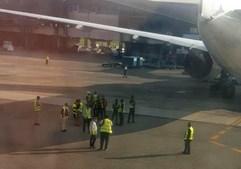 Aviões colidem no aeroporto de Lagos