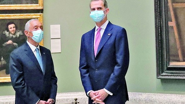 Rei de Espanha felicita Marcelo por reeleição e conversam sobre evolução da Covid-19