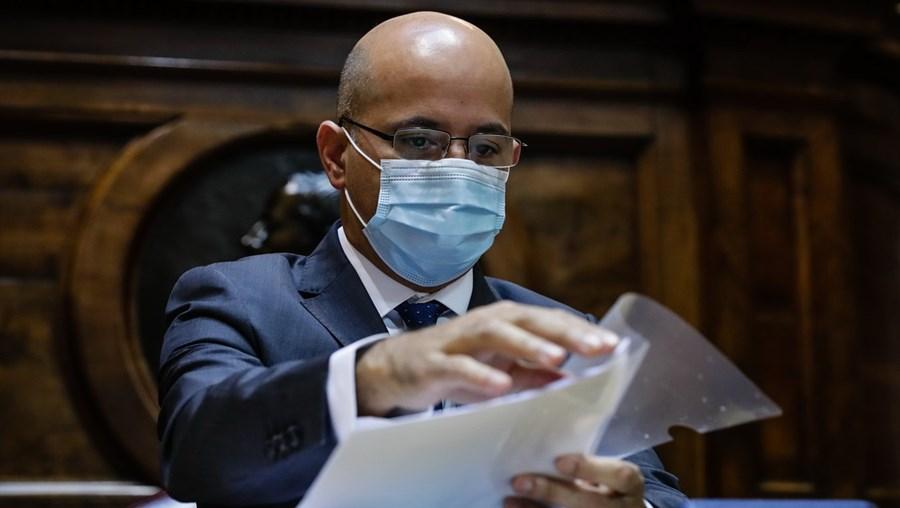 João Leão esteve ontem no Parlamento e acusou o PSD de ter feito subir o défice com medidas a que deu aval na AR