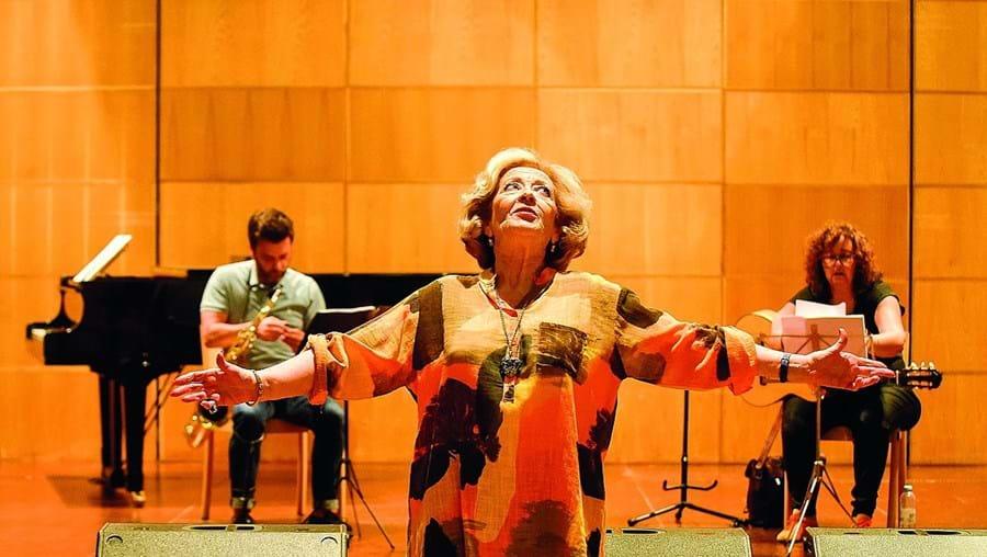 Simone de Oliveira atua esta noite no Teatro Tivoli, em Lisboa