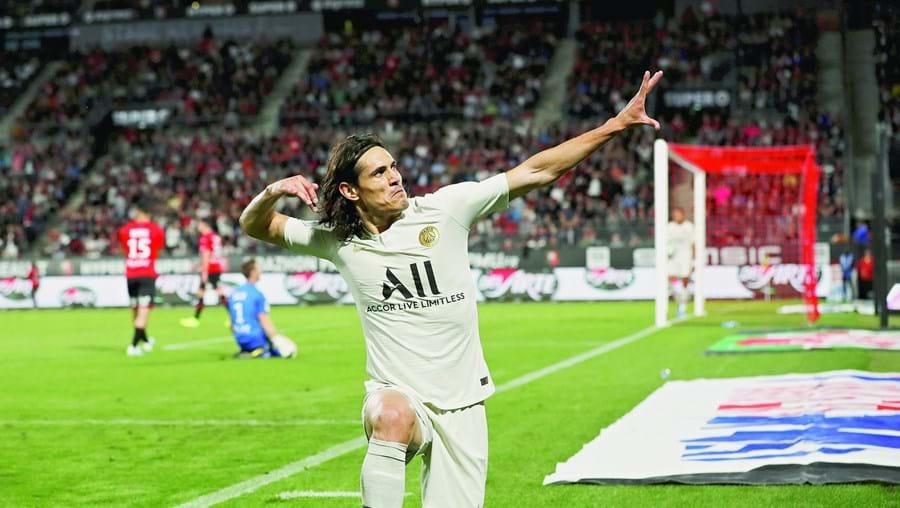 Uruguaio Cavani é um jogador livre depois de sete temporadas ao serviço dos franceses do PSG
