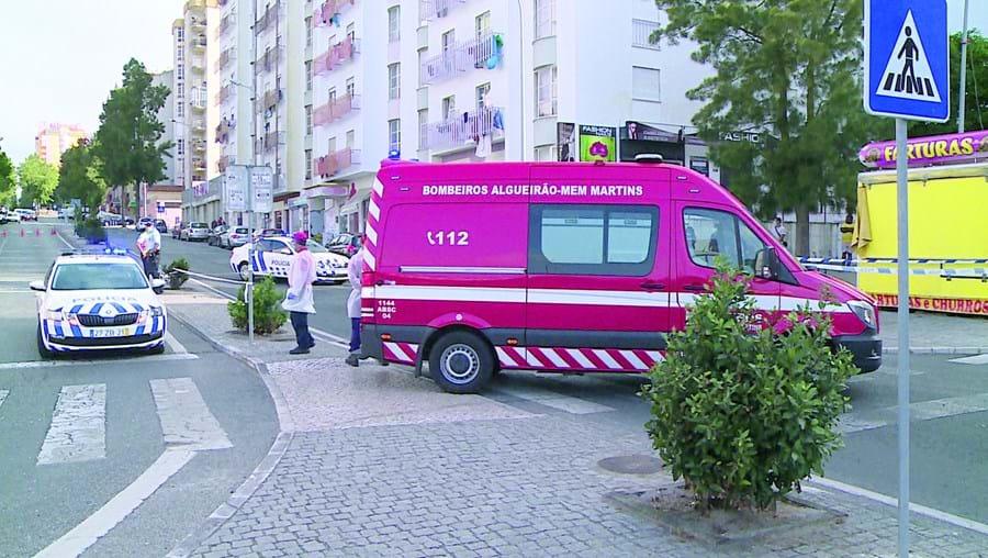 Acidente mortal ocorreu junto à estação da CP das Mercês e obrigou ao corte da estrada durante várias horas