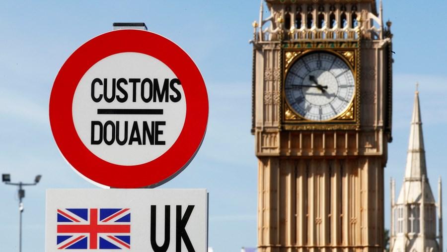 Turistas britânicos começaram a regressar a casa este sexta-feira