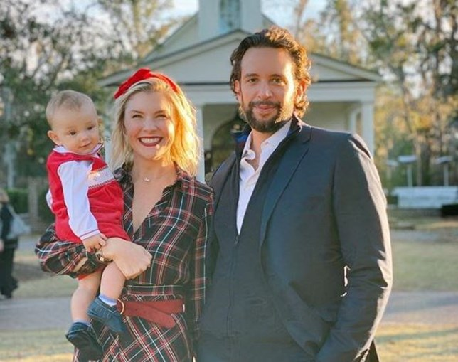 Nick Cordero com a mulher e o filho
