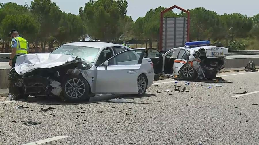 Morreram os dois militares da GNR abalroados por carro na A1 em Santarém