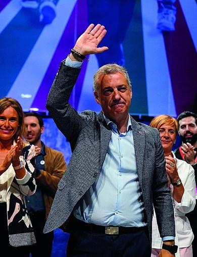 Iñigo Urkullu vai governar o País Basco com os socialistas